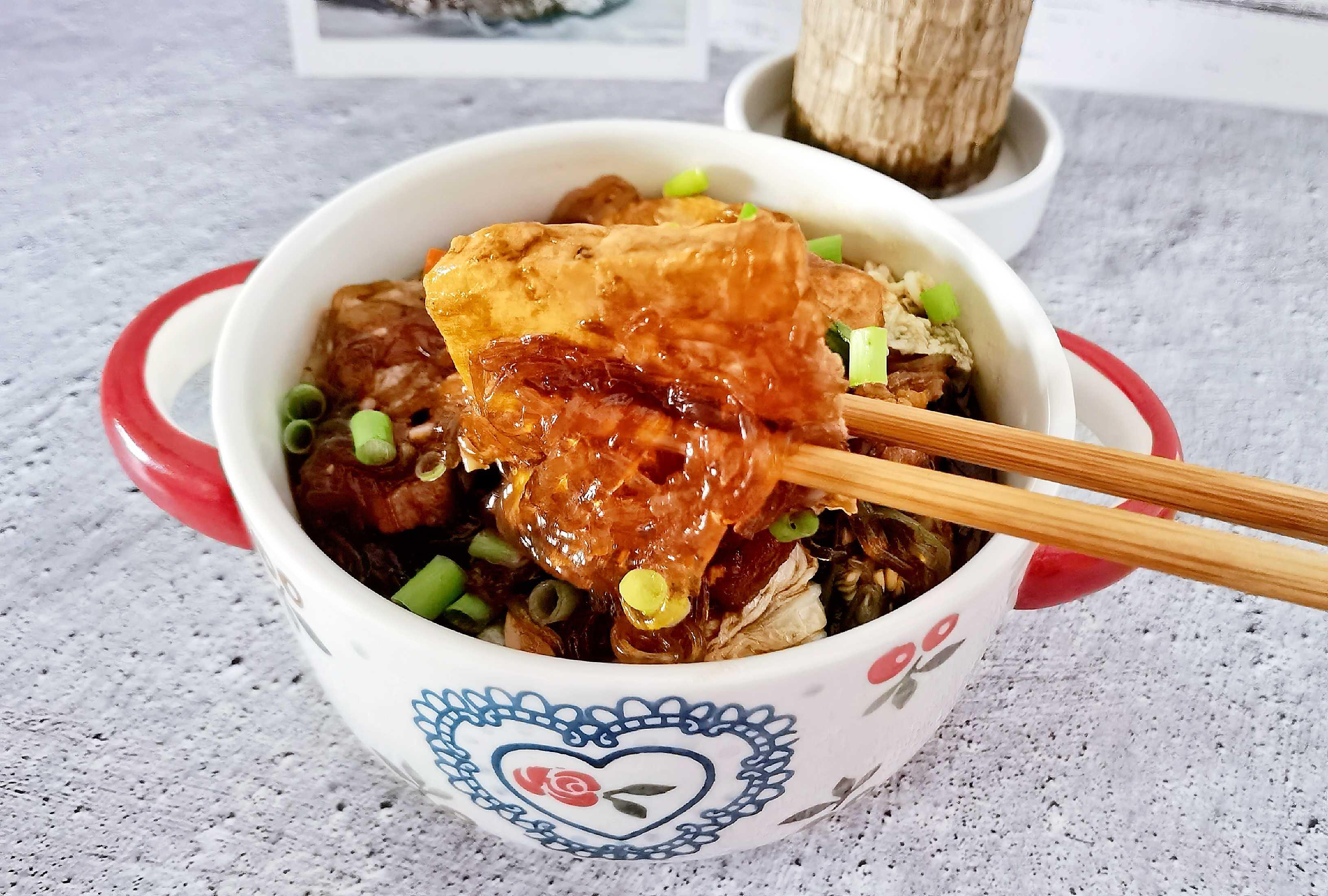 冬日暖胃家常菜-豆腐粉丝煲,荤素搭配,经济实惠又美味怎样做