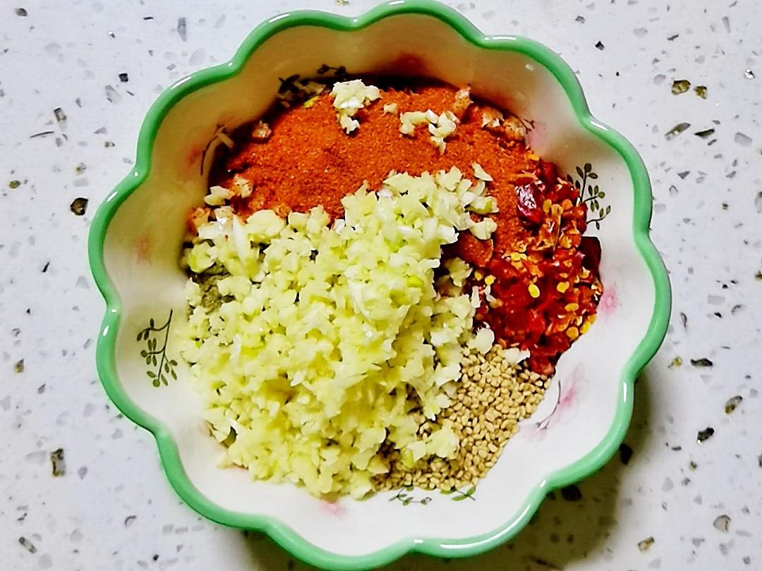 豆皮这样拌-香辣孜然豆皮,香辣好吃超过瘾的家常做法