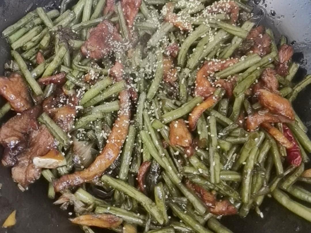豇豆角炒肉好吃有诀窍,肉嫩菜香,做法简单又家常怎么炖