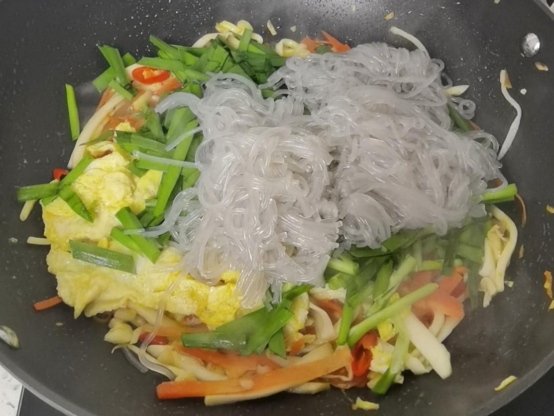 年夜饭素菜也出彩-杏鲍菇炒合菜,阖家欢乐吃着超下饭怎么做