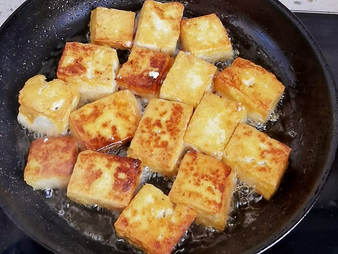 豆腐这样做-懒人版茄汁豆腐,好吃到舔盘,开胃又下饭的简单做法
