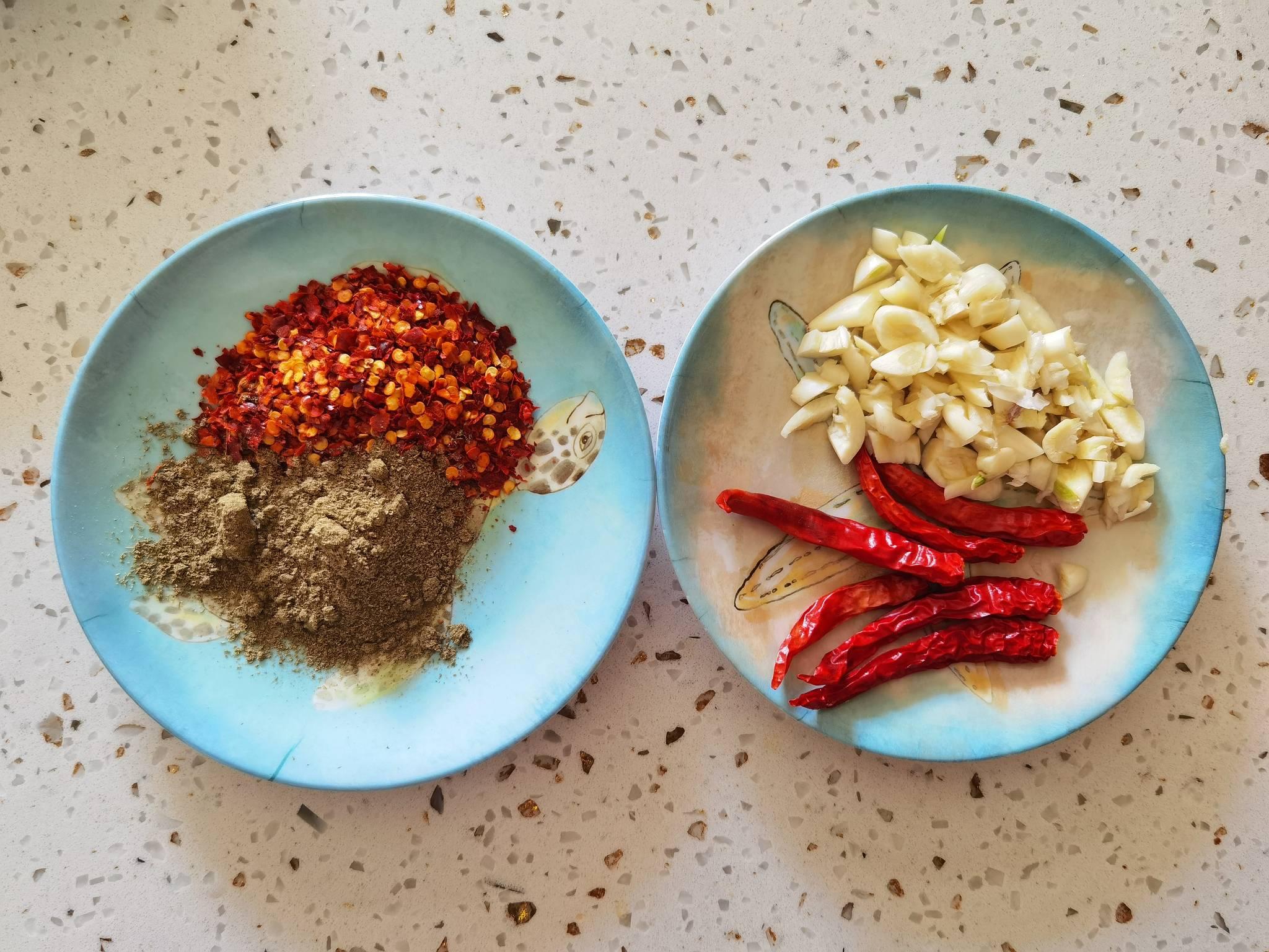 蘑菇新吃法-滑嫩鲜香辣炒孜然蘑菇,我竟然吃出了烤肉味的做法图解