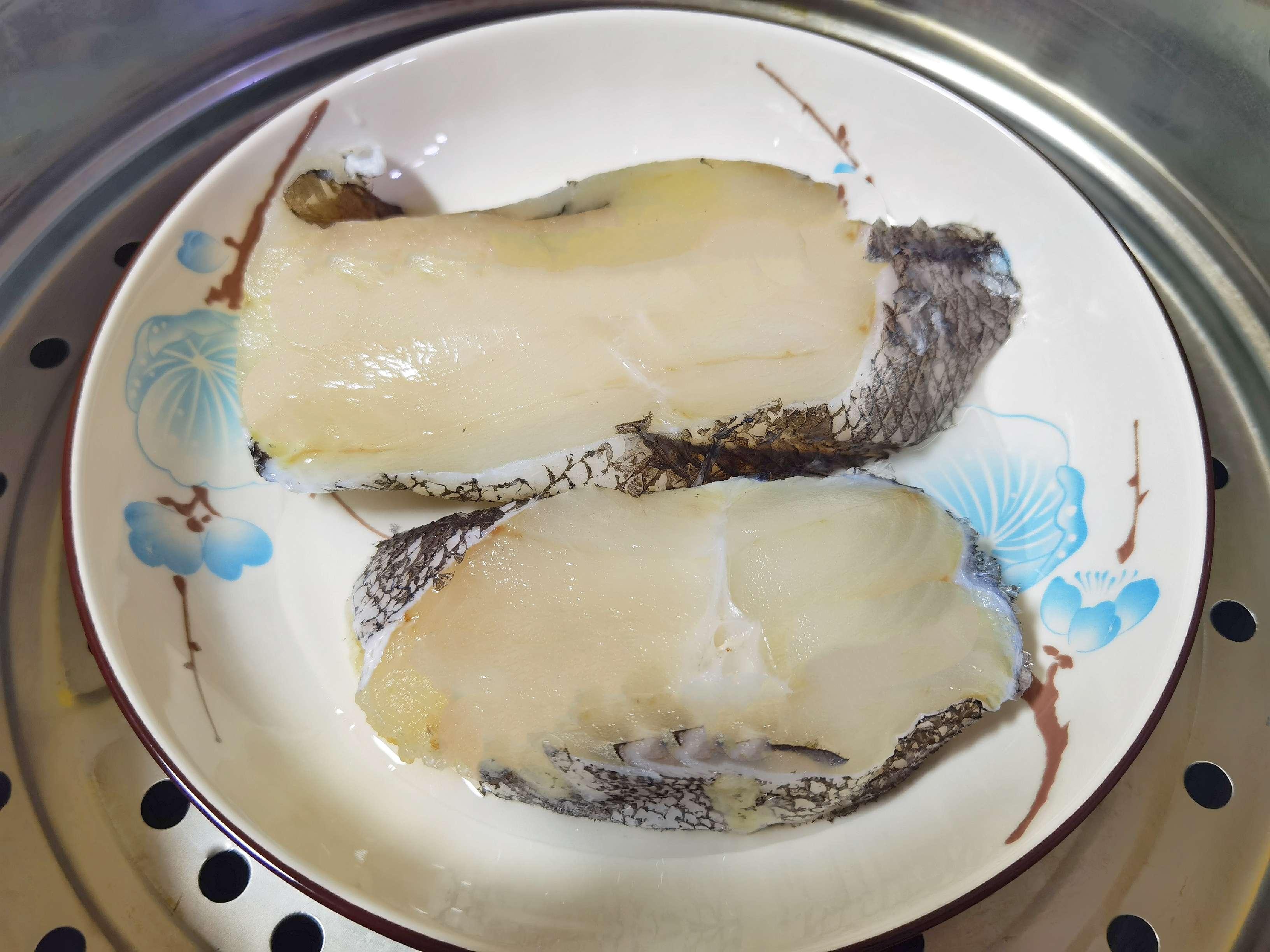 鳕鱼这样蒸,肉质嫩滑又入味,鲜美好吃的家常做法