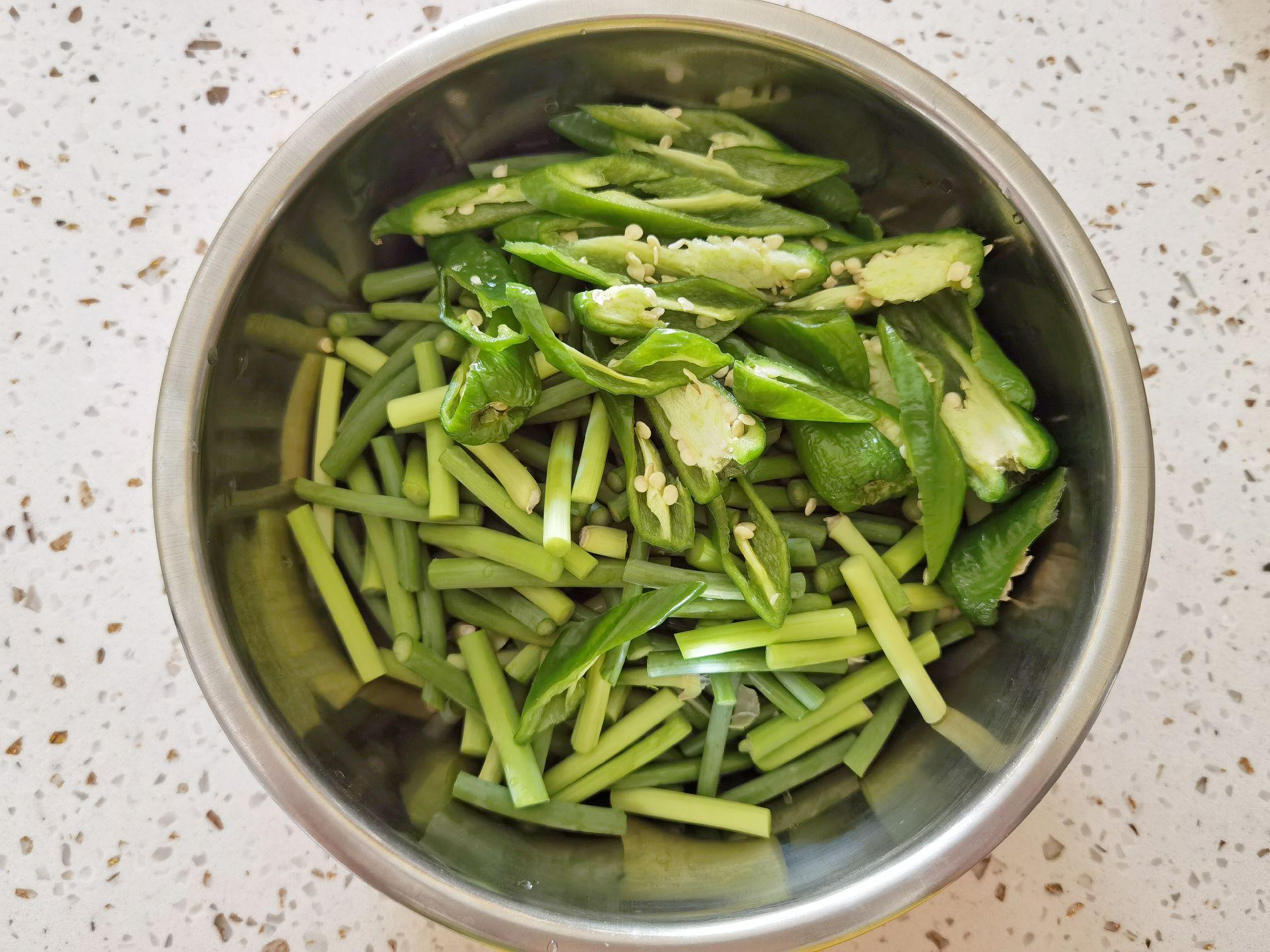 蒜苔和豆干这样炒,就算没有肉,也依然很下饭的做法大全