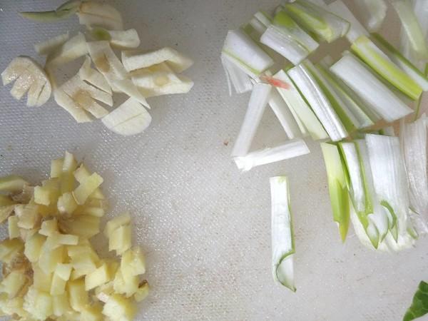 卷心菜炒粉条的做法图解