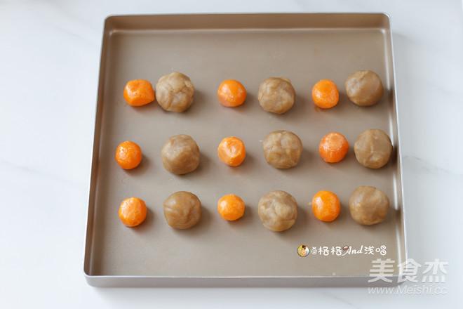 广式莲蓉蛋黄月饼怎么炒