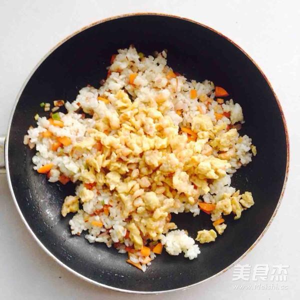 海虾炒饭怎样做