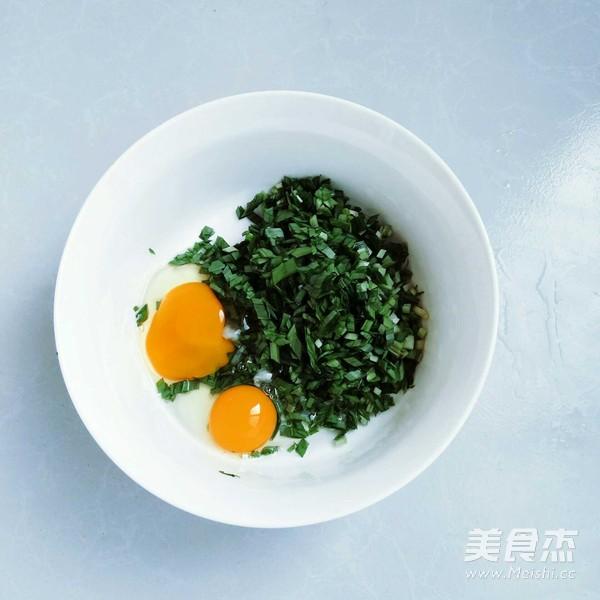 山鸡蛋韭菜软饼的简单做法