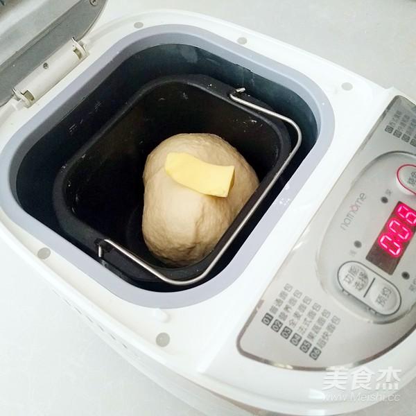 一次性发酵蜂蜜吐司的步骤