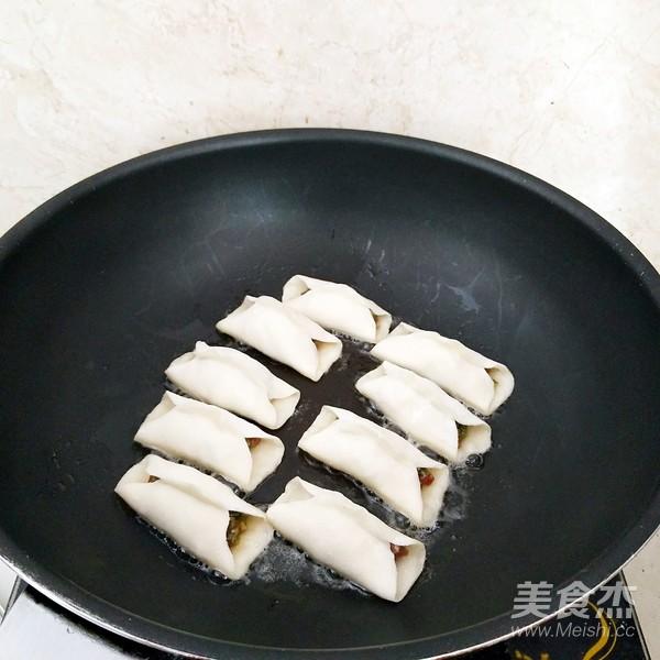 鲜肉豆角锅贴怎样炒