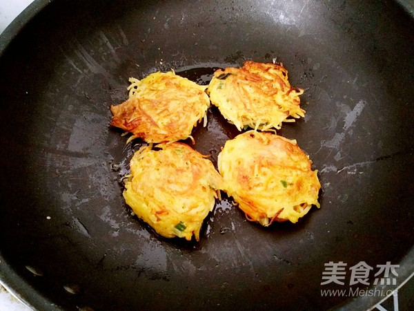 土豆早餐饼怎么炖