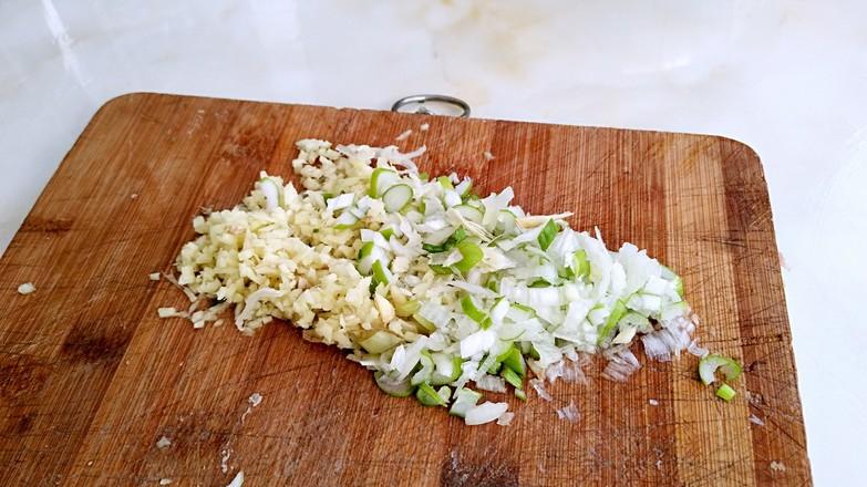 韭菜扇贝肉饺子的步骤