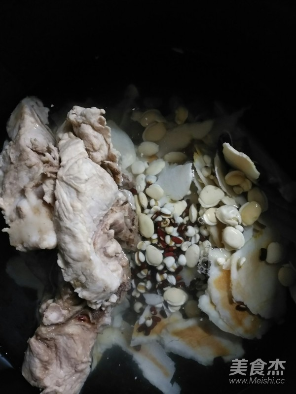 土茯苓煲猪骨的简单做法