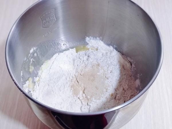 太阳花椰蓉面包的家常做法