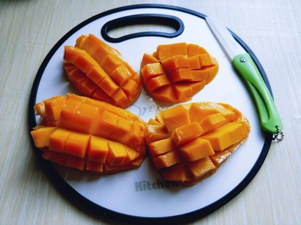 椰汁西米芒果芋圆捞怎么吃