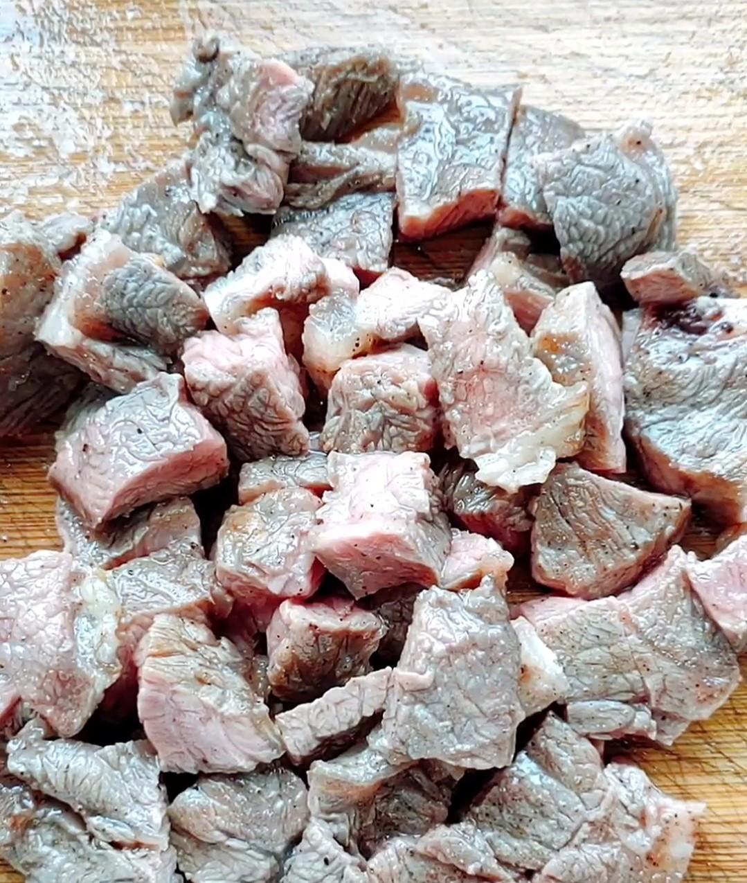 芒果牛肉粒怎么炒