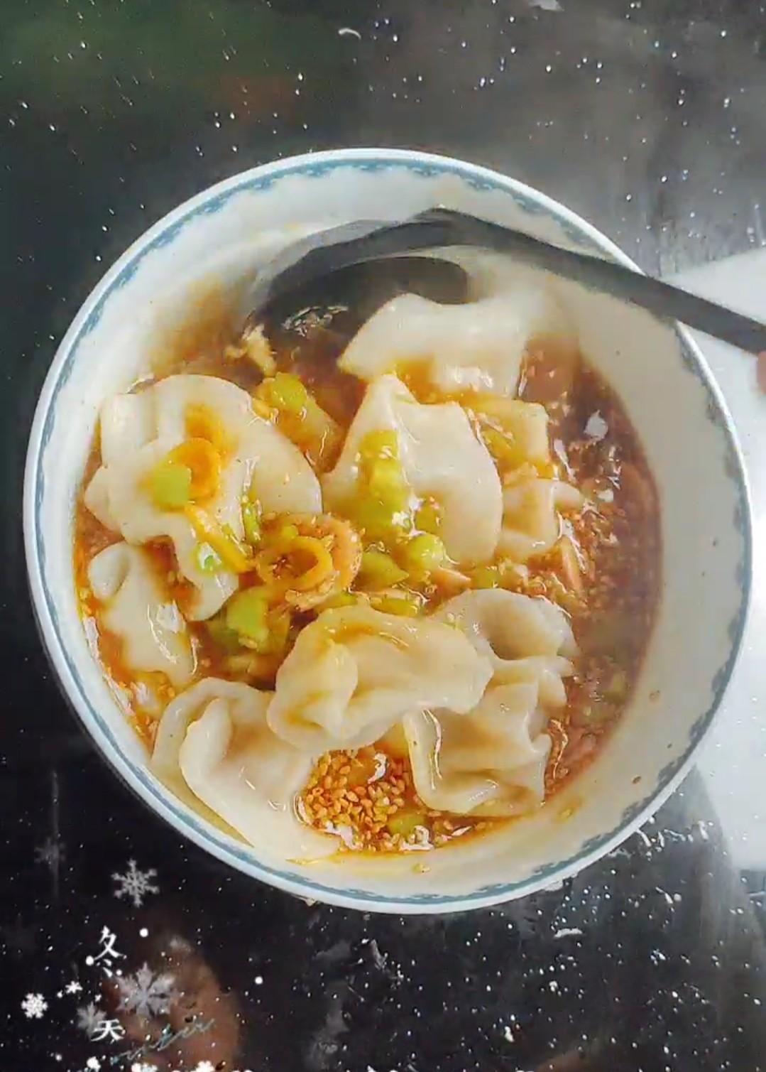 #冬至大如年#酸汤水饺怎么炒