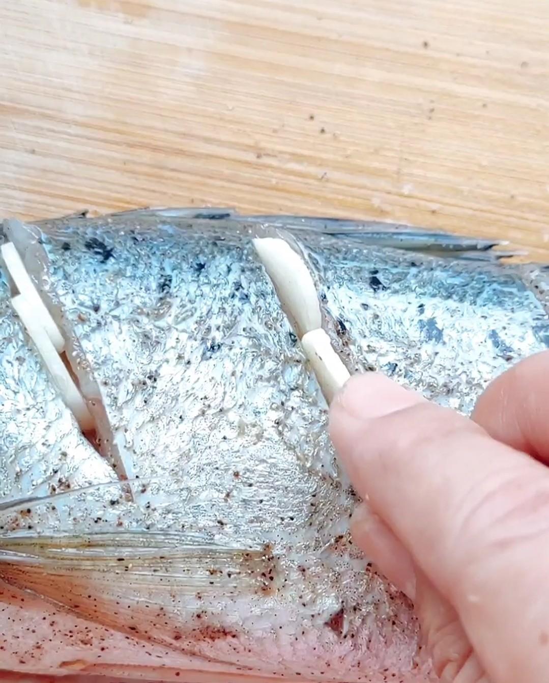 地中海风味烤鱼怎么炒
