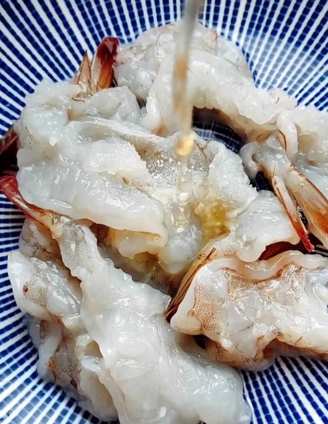 三彩大虾的简单做法