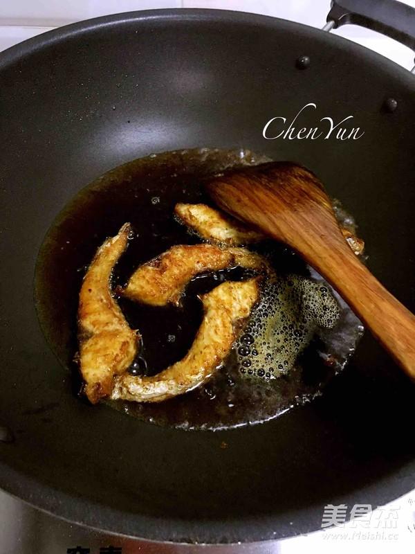 简易版老上海熏鱼怎么煸