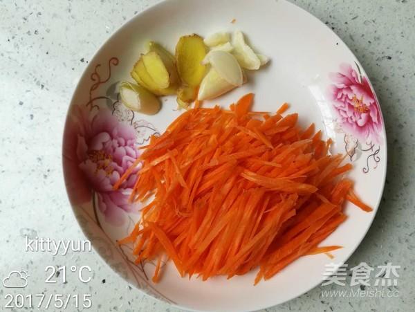 金针菇胡萝卜炒肉的家常做法