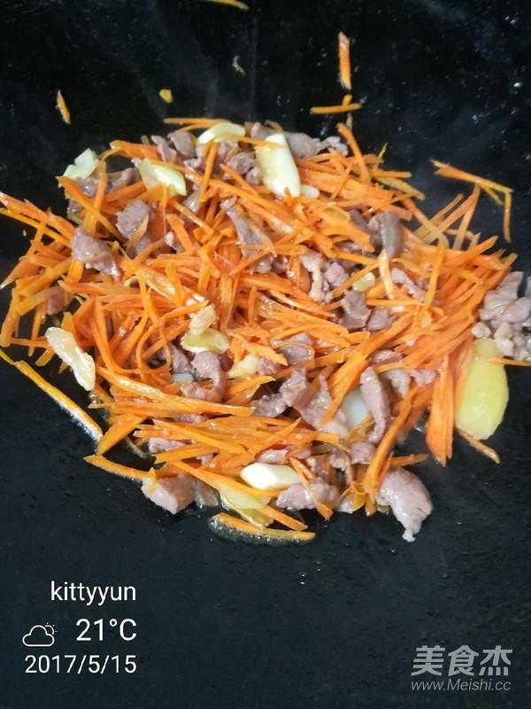 金针菇胡萝卜炒肉怎么炒