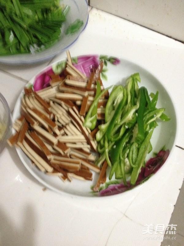 韭菜肉沫炒香干的做法大全