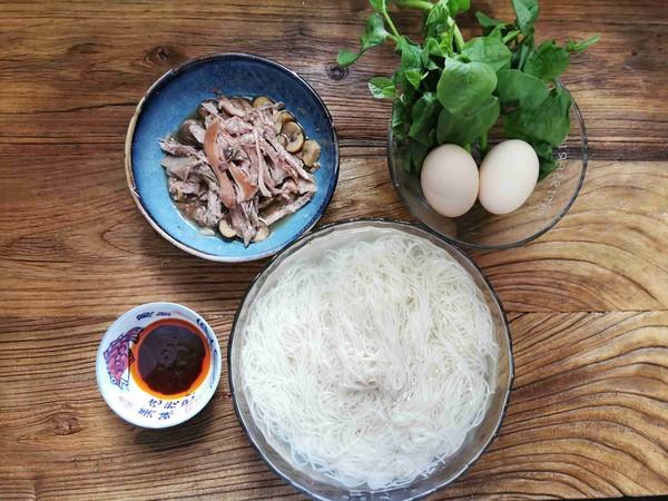 每一口都是幸福味道的快手早餐——荷包蛋鸡丝虾籽面的简单做法