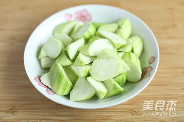 肉片炒丝瓜的家常做法