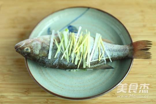 清蒸鱼的家常做法