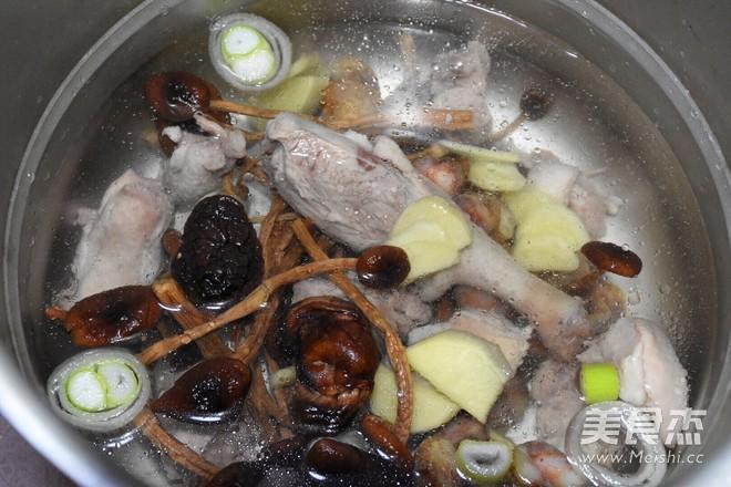 茶树菇老鸭汤的简单做法