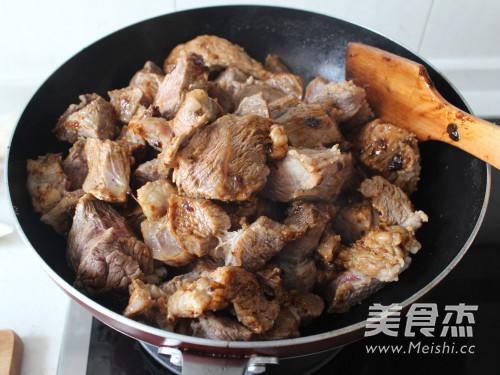 家常秘制烧牛肉的简单做法