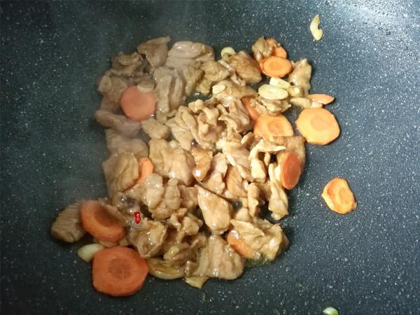 蒲瓜炒肉片的简单做法