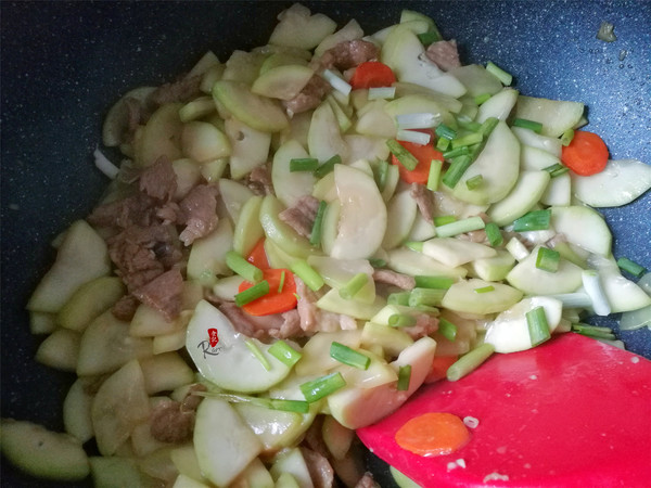 蒲瓜炒肉片怎么做