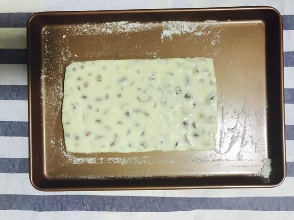 奶香牛轧糖怎么做