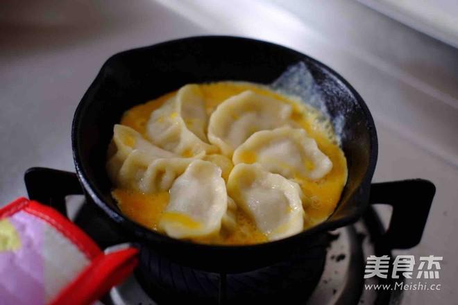 煎饺抱蛋怎样煸