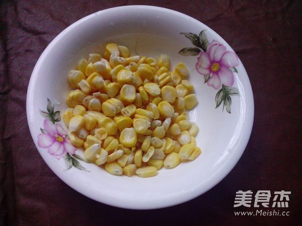火腿肠玉米菇丁的简单做法