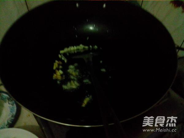 火腿肠玉米菇丁怎么吃