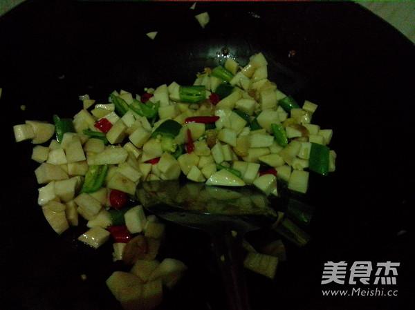 火腿肠玉米菇丁怎么炒