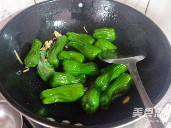 虎皮辣椒的简单做法