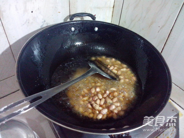 炸花生米的简单做法