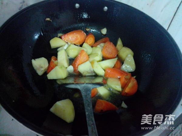 萝卜土豆烧牛肉怎么做