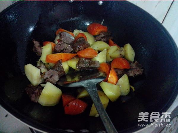 萝卜土豆烧牛肉怎么煮