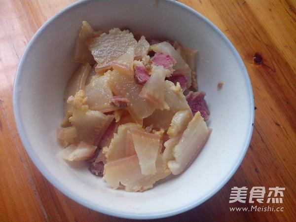 青椒蒜苔炒腊肉的简单做法