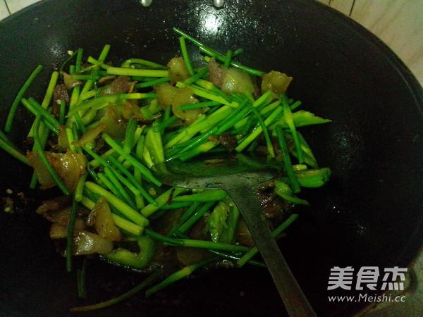 青椒蒜苔炒腊肉怎样炒