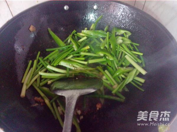 青椒蒜苔炒瘦肉怎么炖