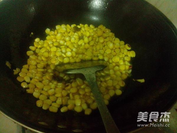 火腿炒玉米怎么煮
