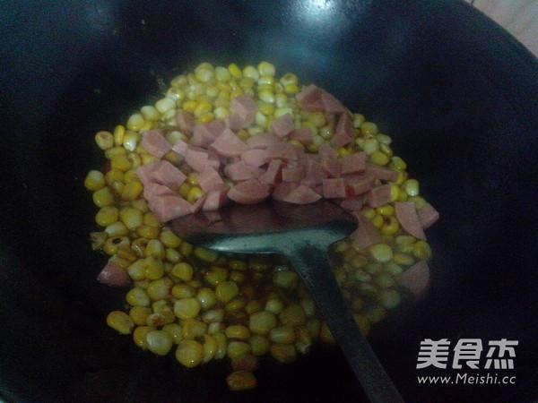 火腿炒玉米怎么炖