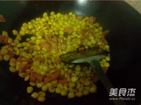 火腿炒玉米怎么煸