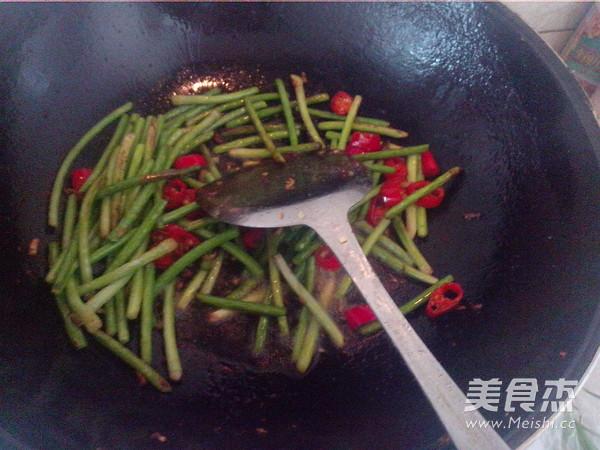 蒜苔炒肉怎样做